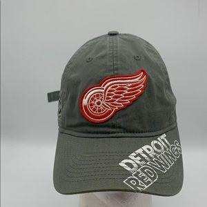Reebok NHL Detroit Redwings hat adult size